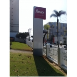 totem luminoso personalizado Jockey Club